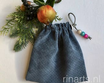 Leather drawstring pouch / drawstring purse in grey blue suede with coloured beads. Herbs pouch. Coin purse. Medicine pouch. gift under 10