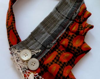 La cravatte - handmade recycled fabric necklace