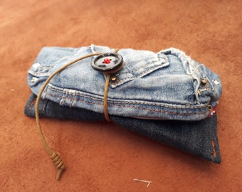 Unique tobacco-made handmade in recycled jeans