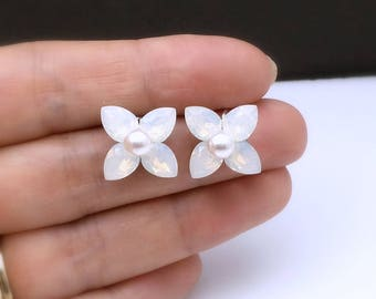 bridal wedding earrings christmas prom bridesmaid gift simple teardrop Swarovski white opal crystal rhinestone stud swarovski pearl post