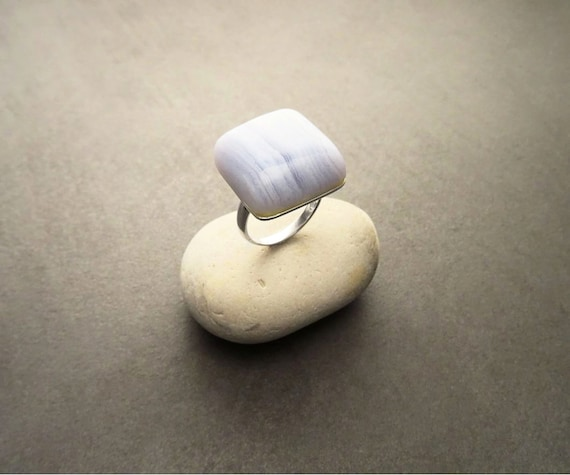 NATURAL Chalcedony Ring, Sterling Silver, Geometric Square Stone, Blue Striped Gemstone, Sober Minimalist Style, Statement Designer Jewelry