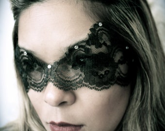 Black Lace Mask w/ No Ties / Catwoman Mask / Boudoir Mask / Mardi Gras Mask / Valentine Mask / Halloween Mask