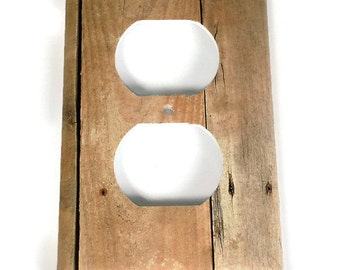 Switchplate  Outlet Light Switch Cover  Switch Plate in Barnwood  (201O)