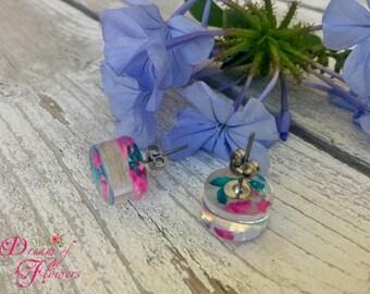 Earrings-Flowers Cyclamen & oil color-resin/earrings-cyclamen and petroleum-colored resin