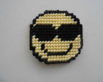 Plastic Canvas Emoji with Sunglasses Magnet