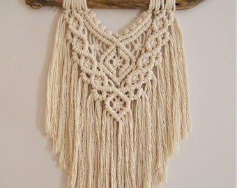 Macrame Wall Hanging | Harriet | Fringed, natural, soft