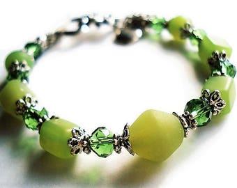 Green Bracelet Glass Jewelry Silver Bracelet Teachers Gift Charm Bracelet Green Jewelry Simple Bracelet Minimalist Jewelry Gift Bead Jewelry