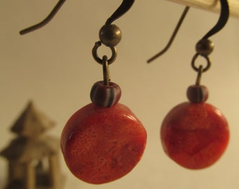2100 - Coral Earrings and Ceramic