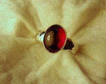Roter Rubin Ring - 925 Sterling Silber - Fair-Trade Eco freundliche Lab Rubin - Korund - MAIL-Größe 5,25 - Verkauf bereit