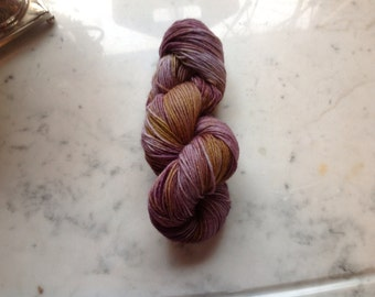 Grapes - hand-dyed sockyarn 1.75oz 224yds