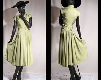 1940s Dress Soft Chartreuse Green Full Sweep Skirt and Beautiful Drape Sz 6