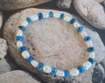 Blue Crazy Lace Agate stretch bracelet with Freshwater pearls