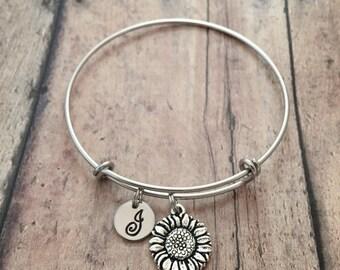 Sunflower initial bangle - sunflower jewelry, garden bracelet, sunflower bracelet, gardener gift, spring jewelry, silver sunflower pendant