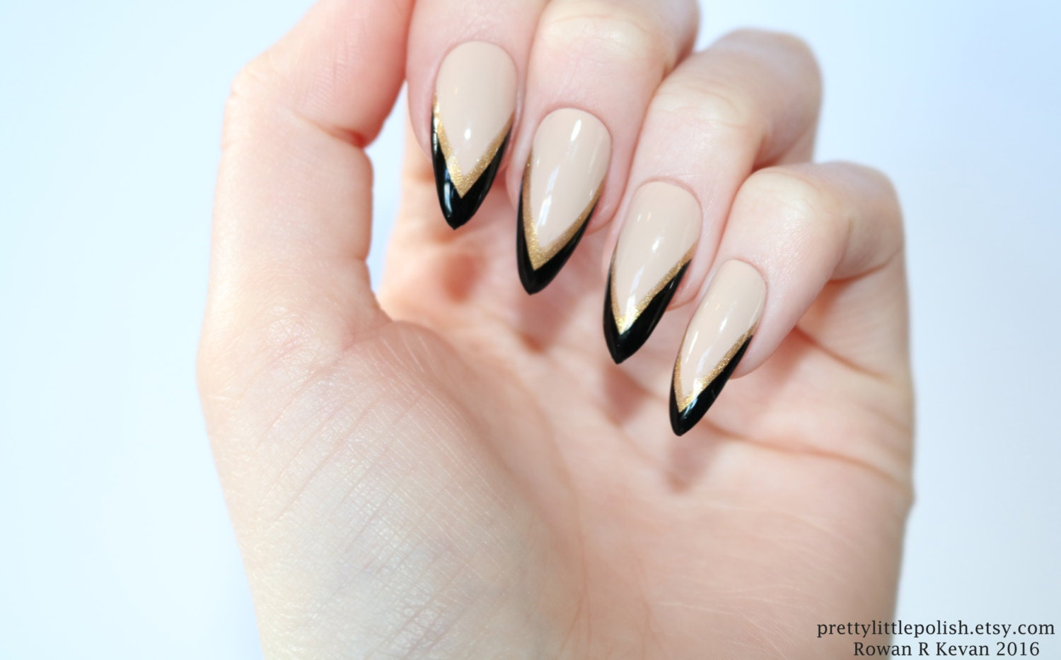 Old Fashioned Gold And Black Acrylic Nails Frieze - Nail Art Ideas ...