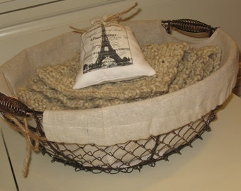 Farmhouse Wire Basket, Home Decor, Novelty, Chicken Wire Fruit Basket, Gift Basket, Spring Cleaning, Get Organized, Farmhouse, Kitchen