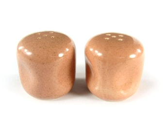 Russel Wright Pink Salt and Pepper Shakers / Wedding Registr Gift / Peach Color S & P / Mid Century Dining / Modern Design / Mod