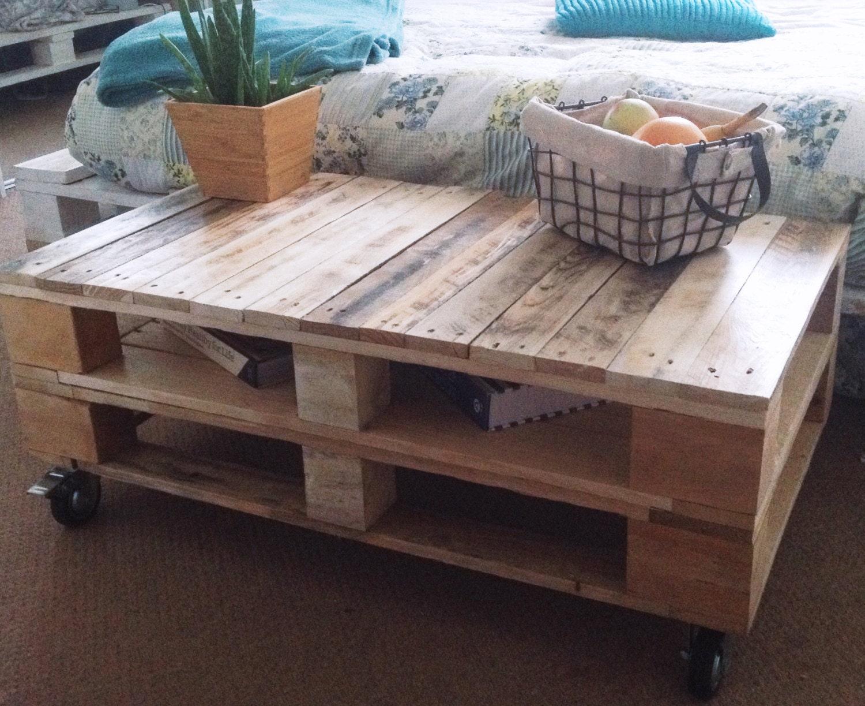 Palette industrielle table basse lemmik en bois naturel - Table basse palette industrielle ...