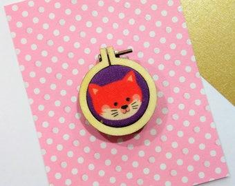 Brooch mini drum little Fox purple background