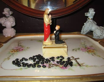 Beautiful vintage First Communion hard plastic Rosary holder with Rosary