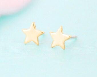 Gold Star Earrings - Stud Earrings - Star Jewelry - Brass Stud Earrings
