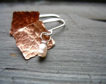 Pearl Earrings, Handmade Metalwork Pearl Hammered Copper Dangle Drop Earrings, Artisan Jewelry, White Pearl Earrings, Pearl Jewelry