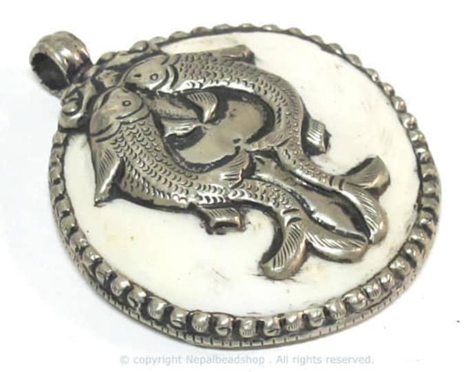 1 pendant - Large bold Tibetan Silver Repousse tribal naga conch shell pendant with  double  fishes carving  - PM490E