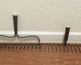 Vintage rusty rake head • steel rake • jewelry hanger  • wine glass holder • towel hanger