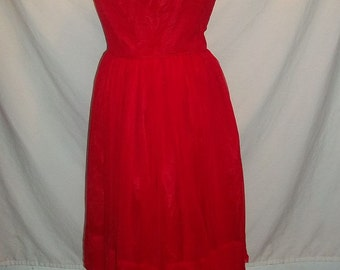 Swingy Full Skirt True Red Party Dress Vintage 50s B36 sz 15 Jonathan Logan for Lord and Taylor