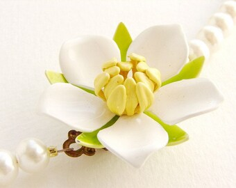 Vintage white flower pearl necklace, Bridal jewelry, wedding necklace, OOAK enamel gardenia lemon yellow apple green brooch bridal necklace