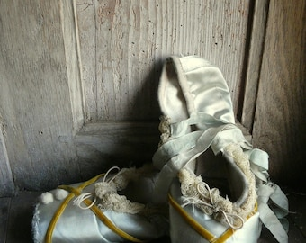 vintage shabby chic ballet pointe shoes