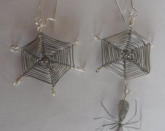 Handmade Spider Web Wire Earrings with Labradorite Spider