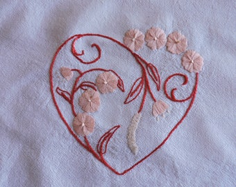 Heart and Flowers  Embroidery Pattern, Flowery Heart Hand-Embroidery Pattern, Original Valentine's Hand Embroidery Pattern