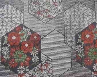 352: Vintage woman's kimono/casual/wool fabric/material/handmade/japan/hexagon/green/red/gray/black/silver/flower/KOMON
