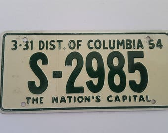 Vintage 1954 Wheaties Cereal premium mini license plate, District of Columbia , The Nation's Capital 3-31-54, measures 4 7 /8""