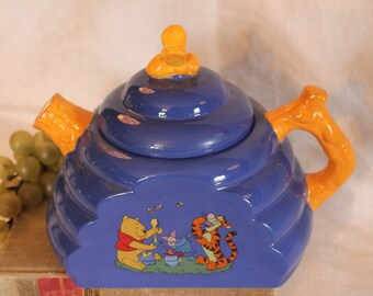 Disney Winnie The Pooh Blue BeeHive Teapot with Yellow Bea Handle