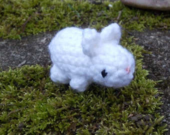 Tiny white crochet bunny, white bunny, white rabbit, crochet rabbit, amigurumi bunny, Easter crochet, Easter bunny crochet, Easter bunny