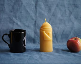 "Midi-Pillar with Bee - Handmade 100% Natural Beeswax Candle - 11.4 cm x 6.3 cm (4.5""x2.5"")"