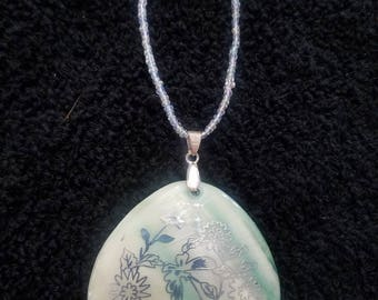 Greenish Pearl Shell Pendant Necklace
