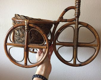 Handwoven Wicker Tricycle Planter - Boho Wall Decor- 70's Vintage Wicker Decor - Wicker Collection- Vintage Bicycle - Vintage Basket Panter