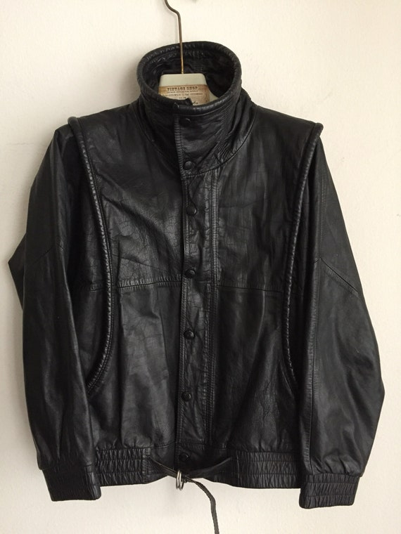 Motorcycle jacket from real leather genuine and soft leather short vintage jacket heavy jacket old jacket men's black has size-small (42EU). hVG5MHY