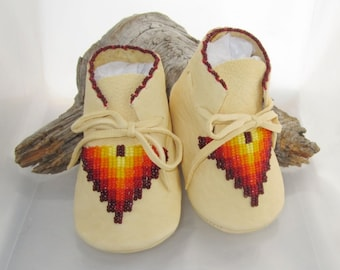 Father's Day Baby Gift, Baby Boy Birthday Gift, Native American Beaded Moccasins, Soft Soled Leather Shoes, Baby Shower Gift Boho Baby Shoes