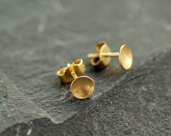 solid gold Studs, circle studs gold, minimal gold earrings, Solid 14 karat gold studs, Minimal 14K gold earrings, stud earrings