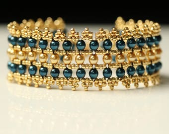 Elizabethan Bracelet in Dark Blue and Gold Colours