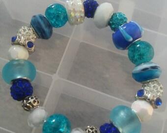 Mixed blue bracelet