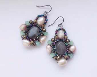 Drop Earrings with Freshwater Pearls and Labradorite