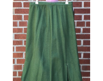 1950s pencil skirt with assymetrical pleating details