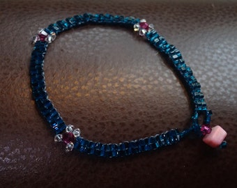 Delicate beaded bracelet in turquoise and pink