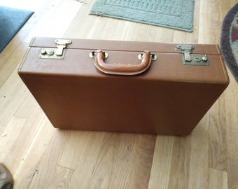 Vintage mid-century Executive's hard briefcase with keys, calendar blotter, and removable lightweight leather folder