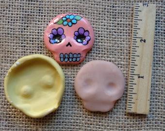 simple skull mold