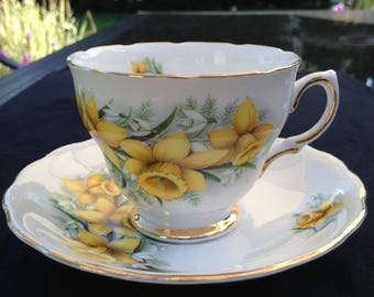 Colclough Yellow Daffodils Vintage Teacup and saucer